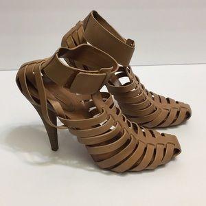 BCBGMAXAZRIA Heel Shoes with straps. Size 8